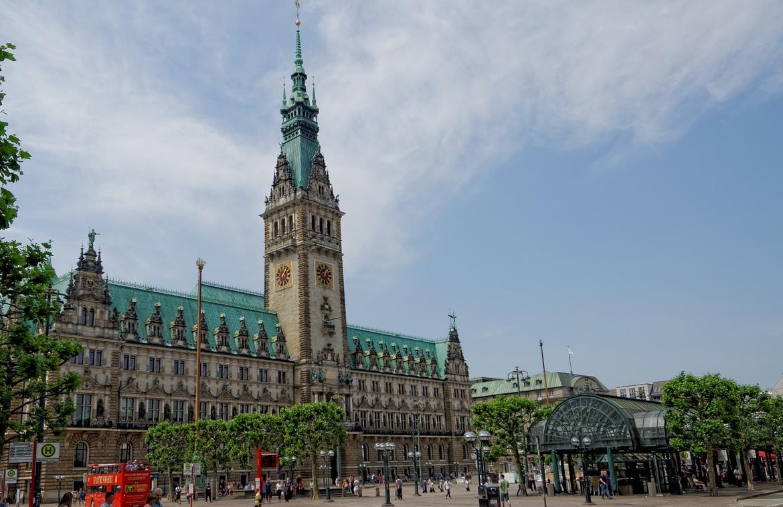 AQtivus lud zum Rathausseminar in Hamburg ein